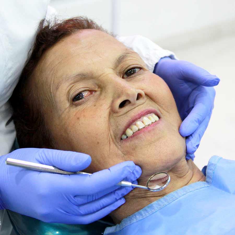 rehabilitacion oral odontologia implantes